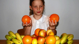 Homeschool Spanish Curriculum: Counting oranges